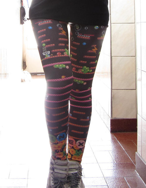 Bubble Bobble Leggings Nothing like blowing and popping soap bubbles on a hot summer day. It's even more enjoyable to blow bubbles in an air conditioned arcade with your favorite bubble dragons, Bub and Bob. Another pair of leggings inspired by arcade classics approaches the market. This paid of Bubble Bobble leggings is still a little spendy for leggings but cheaper than Mass Effect Leggings and Tetris Leggings. Leggings from Eat Me Clothing ($58)